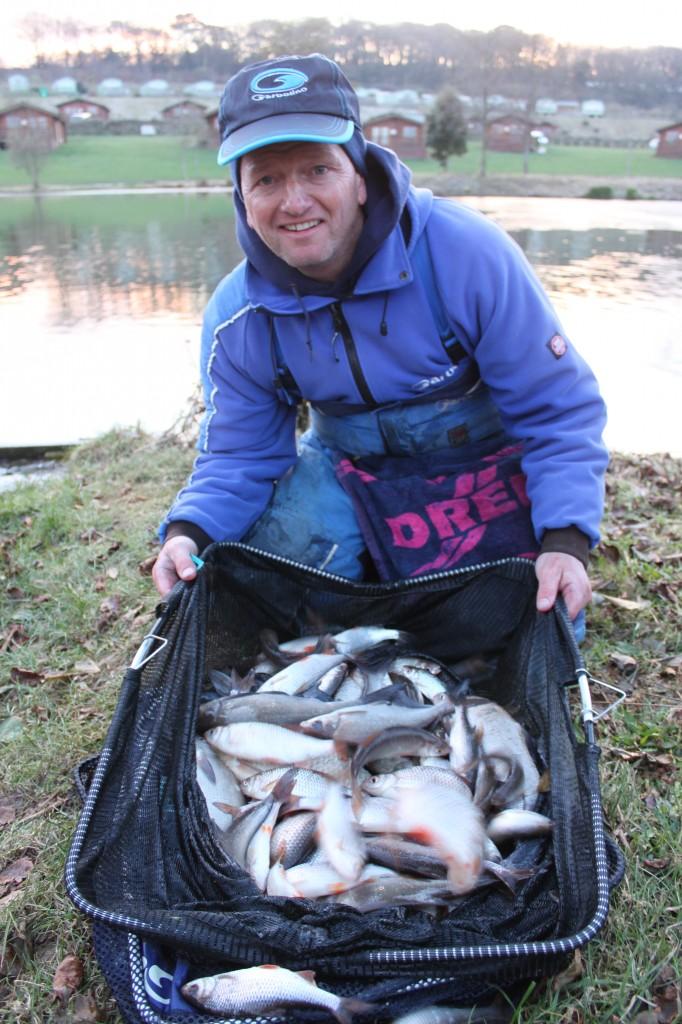 Pêche au pain en hiver Darren Cox.1
