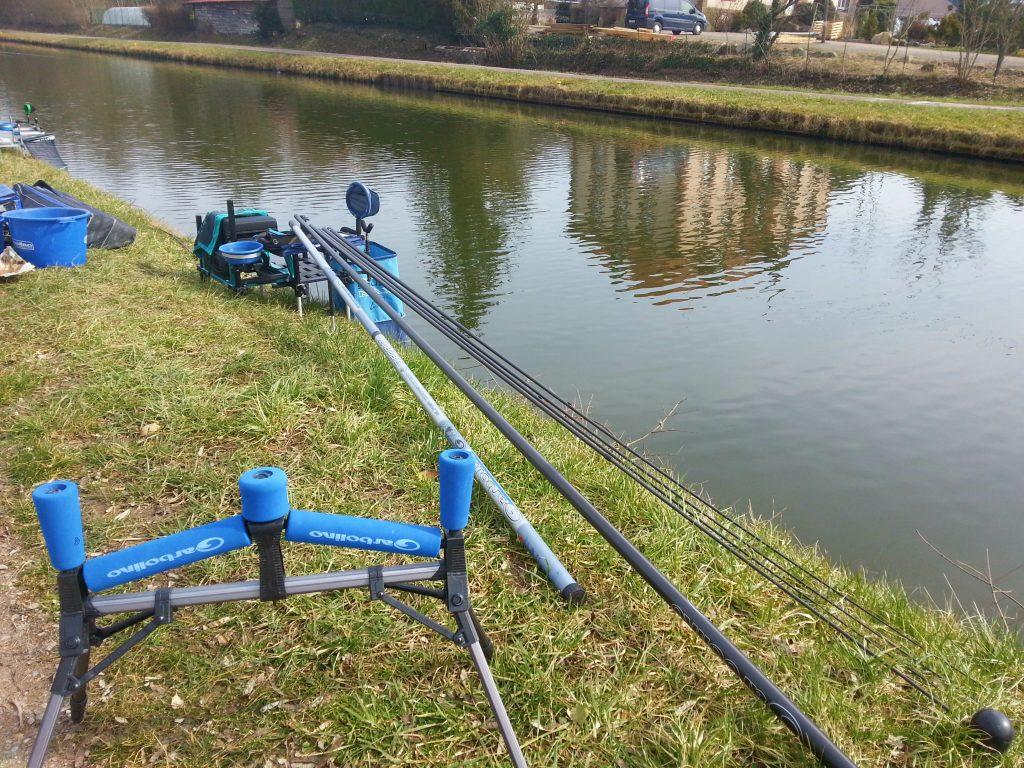Installation sur les berge 'un canal.2